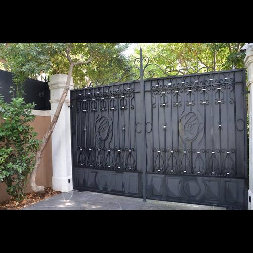 ferronnier cote d 39 azur fer forg ferronnerie portail. Black Bedroom Furniture Sets. Home Design Ideas