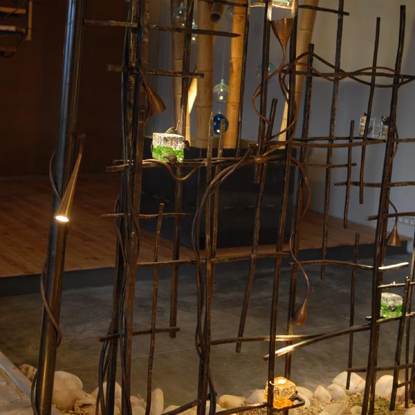 Jalousie maison s paration pi ce fer forg atelier for Separation piece vitree atelier