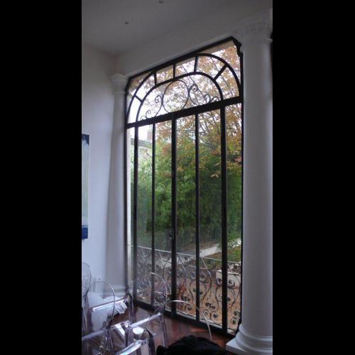 baies vitr es sur mesure en fer forg baies vitr es acier sur mesure avignon la forge. Black Bedroom Furniture Sets. Home Design Ideas